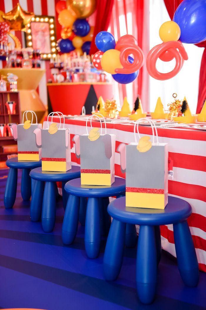Dumbo S Circus Birthday Party Kara S Party Ideas Dumbo Birthday Party Circus Birthday Carnival Themed Party