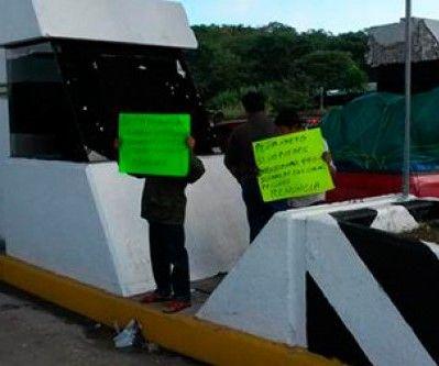 Toman casetas de cobro en la autopista Campeche-Champotón - http://www.notimundo.com.mx/estados/toman-casetas-cobro-campeche-champoton/