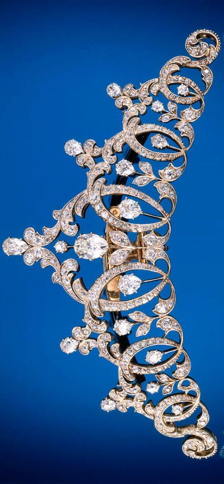 Tiara by Tiffany & Co., 1894. Gold, platinum, and diamonds. Courtesy Museum of the City of New York and Gilded New York (Monacelli Press)