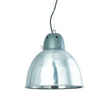 Stijl in de keuken: echte fabriekslamp van Scandinavisch design. Krachtige vorm, met mooie details als vleugelmoeren.