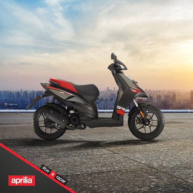 A concentration of pure sportiness.  #aprilia #bearacer
