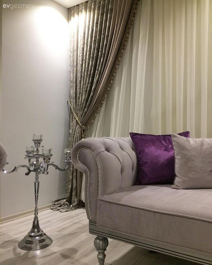 Ayna detaylı mobilyalar, sofistike bir renk paleti ile göz alıcı bir dekor ..