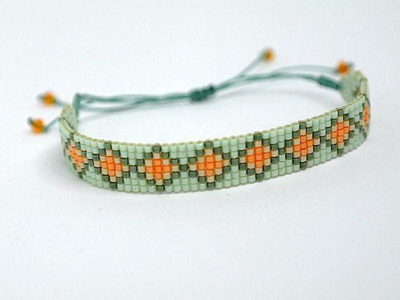 Bracelet tissé fin  vert pâle olive pêche mandarine   perles