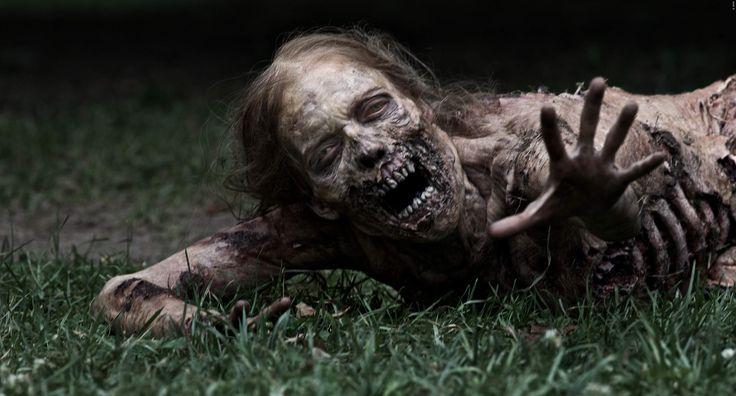 Die beliebteste Zombie-Serie der Welt dreht sich längst nicht nur um untote Fleischfresser, sondern um die überlebenden Menschen. Einer davon könnte bald seinen Hut nehmen! The Walking Dead Gerücht: Hauptdarsteller steigt aus ➠ https://www.film.tv/go/35865  #TheWalkingDead #Carl #ChandlerRiggs