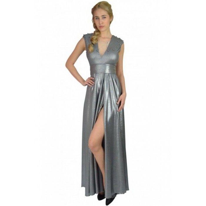 Rochie de seara argintie cu despicatura pe picior http://iuniq.ro/rochie-de-seara-argintie-cu-despicatura-pe-picior