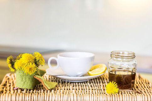 Teplý čaj se změní v léčebný nápoj už s jednou lžičkou uvařeného medu