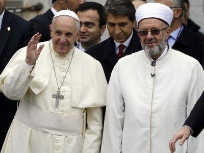 Po synagóge pápež František možno navštívi mešitu