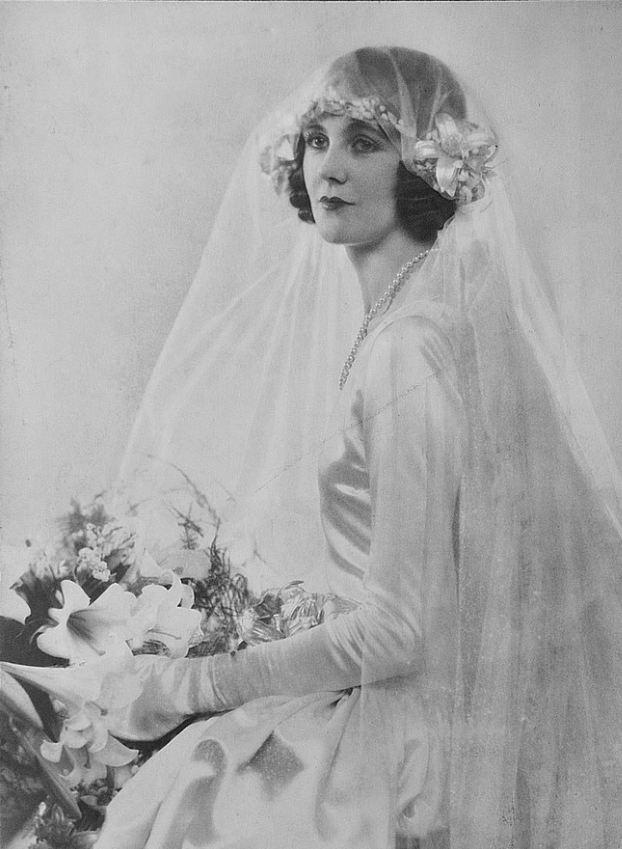 1920's Bride. <3