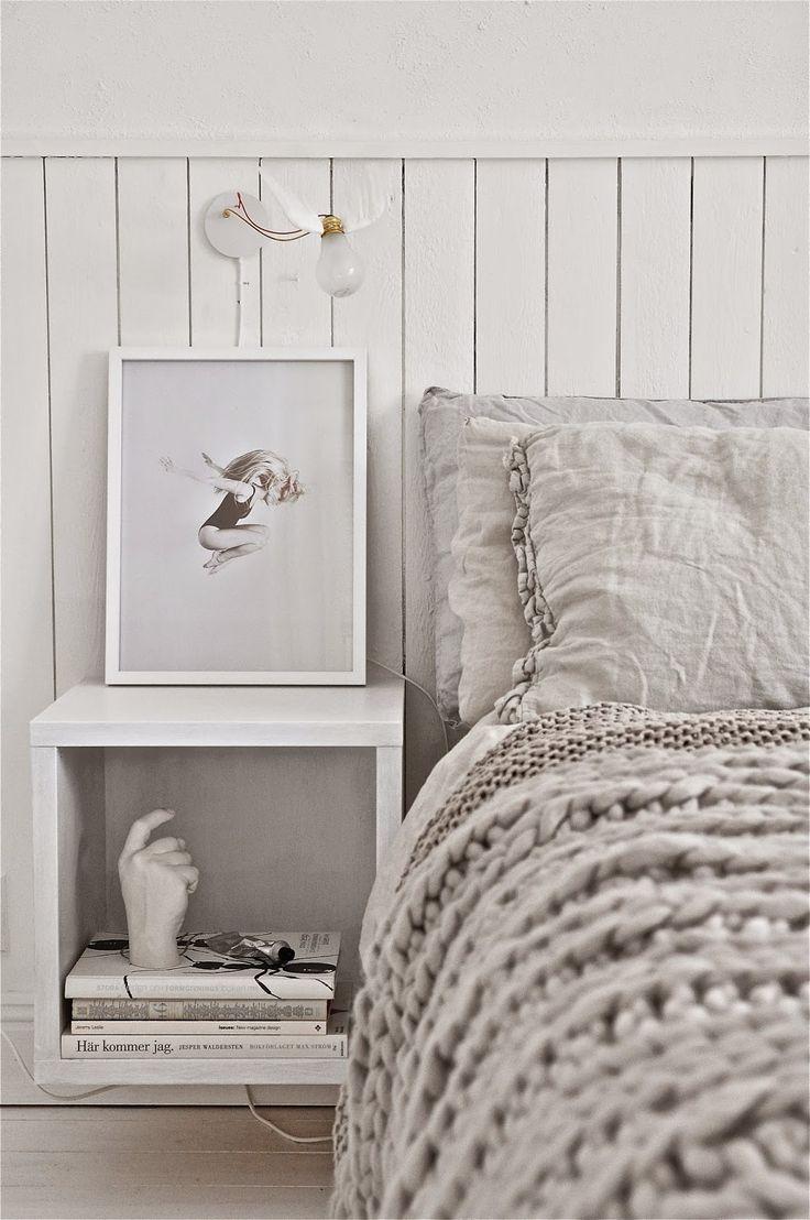 H E L E N A - S K A R P. Bedroom. Blanket. Neutrals.