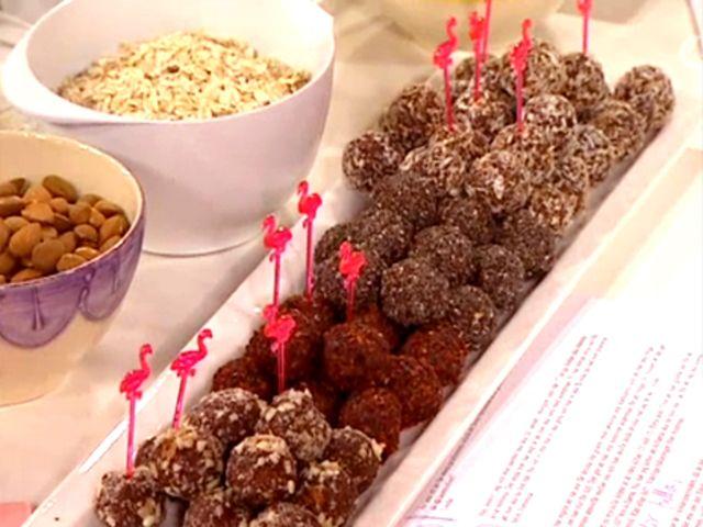 Raw chokladbollar, ska testas nu! Hade inte råkakao och kokosolja men det gick bra ändå!