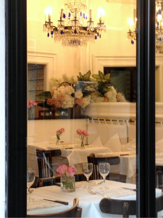 Peeking in Paris: Places Travel, Idea, France French Paris, Parisienne Flat, Paris Cafe, Life Style, Restaurant, La France