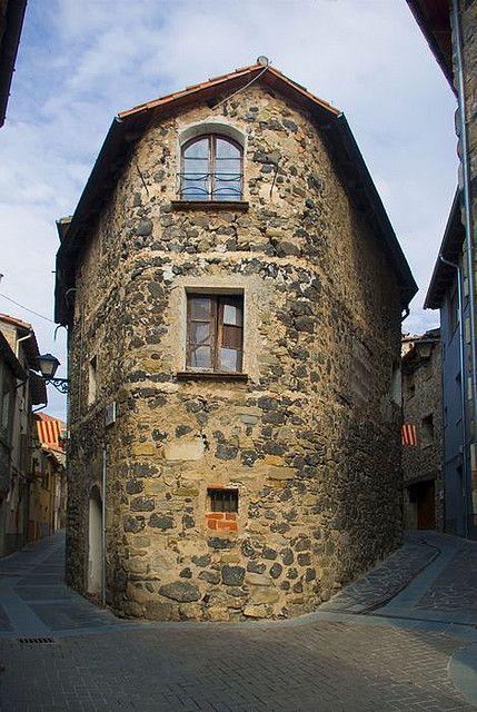 Carrers medievals (Castellfollit de la Roca, Girona)