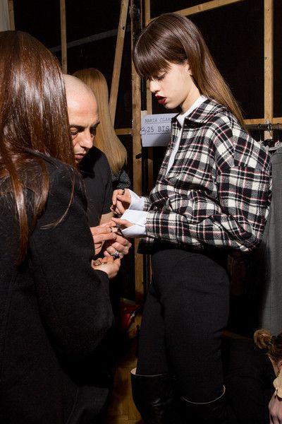Aquilano.Rimondi at Milan Fashion Week Fall 2017 - Backstage Runway Photos