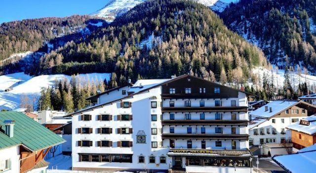 Hotel Arlberg - 4 Star #Hotel - $236 - #Hotels #Austria #SanktAntonamArlberg http://www.justigo.org.uk/hotels/austria/sankt-anton-am-arlberg/arlberg-st-anton-am-arlberg_44469.html