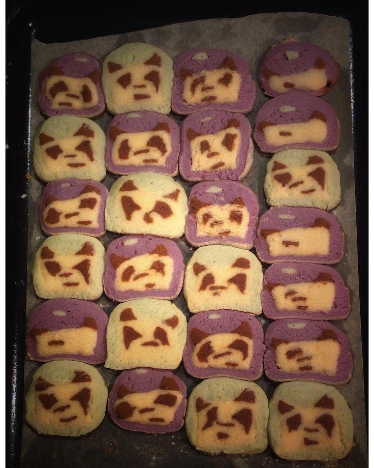 искупившие свою вину панды вернулись на удивление в хорошей форме!  #cookies #handmade #iamok #panda #sleepless #boysatwork #whynot #ipadphotography #печенье #печеньки #whyiamnotsleeping