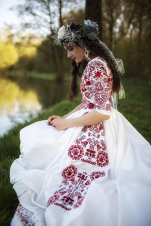 Svadobné šaty Slavianka   JaroslavaWurllKocanova  ef35405b1e6