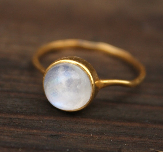 moonstone and gold <3: Rainbow Moonstone, Gold Stacking, Moonstone Ring, Beautiful Rings, Gold Band