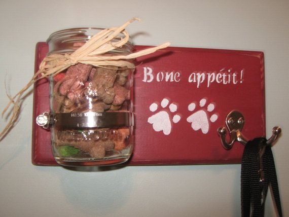 Check out Personalized Dog Leash & Treat Holder, Perfect For Leash Training on pineterracetreasures