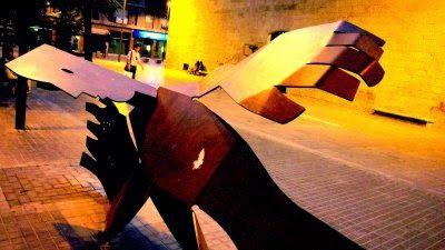 Bragado: ESCULTURA PÚBLICA EN MEMORIA DE LAS VICTIMAS DEL LICEO ESCOLAR DE LLEIDA. Dignidad, memoria y vida.