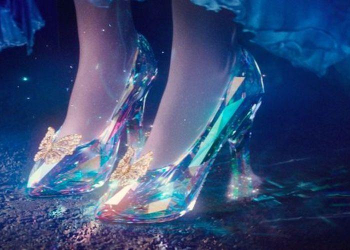 遂に履ける!一流ブランド9社がシンデレラの『ガラスの靴』を 再現しました*