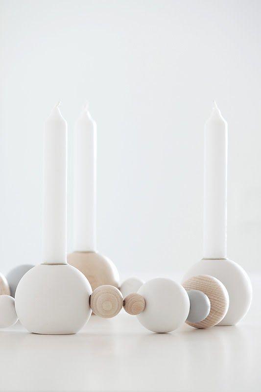 Kerzenständer aus Holzkugeln
