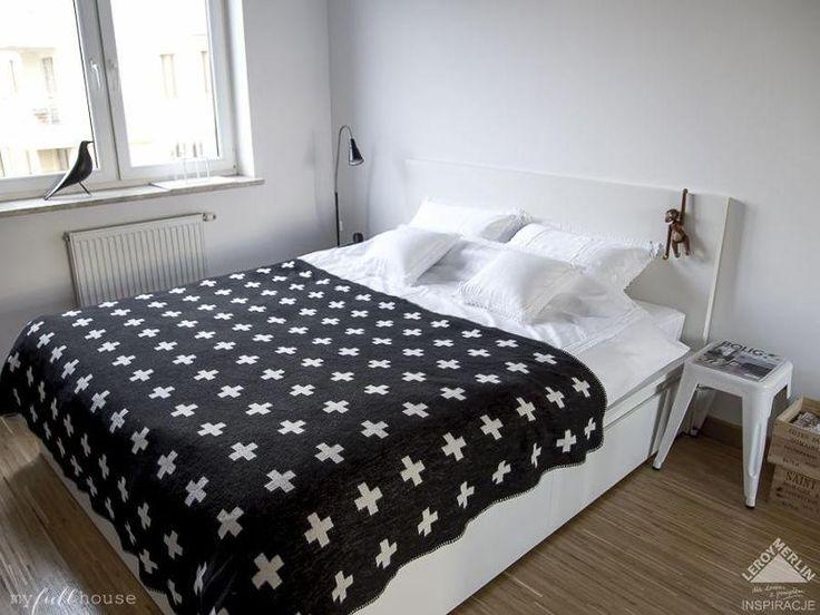 Sypialnia biało-czarna 1