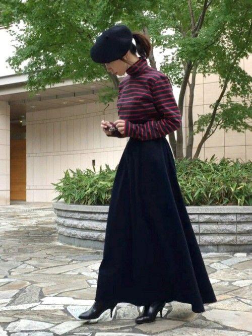 ボトルネックのボーダーカットソーに ネイビーのロングスカート。 フレンチスタイルにマイブーム到来です
