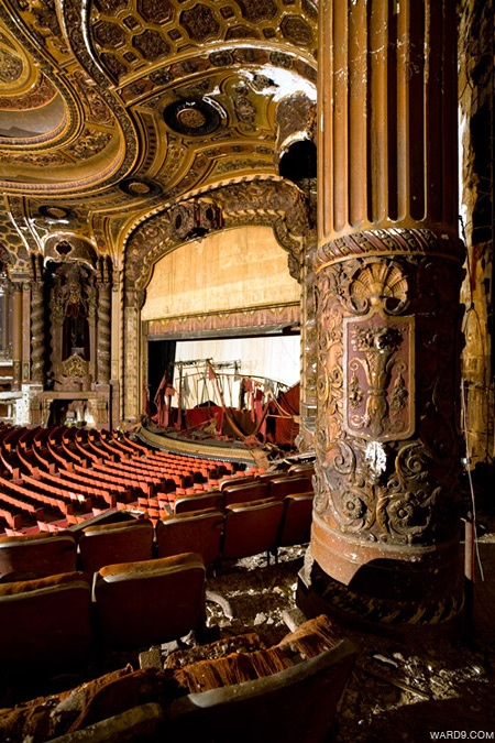 Stand in awe in the Loews Kings Theatre before playing in the ballet.