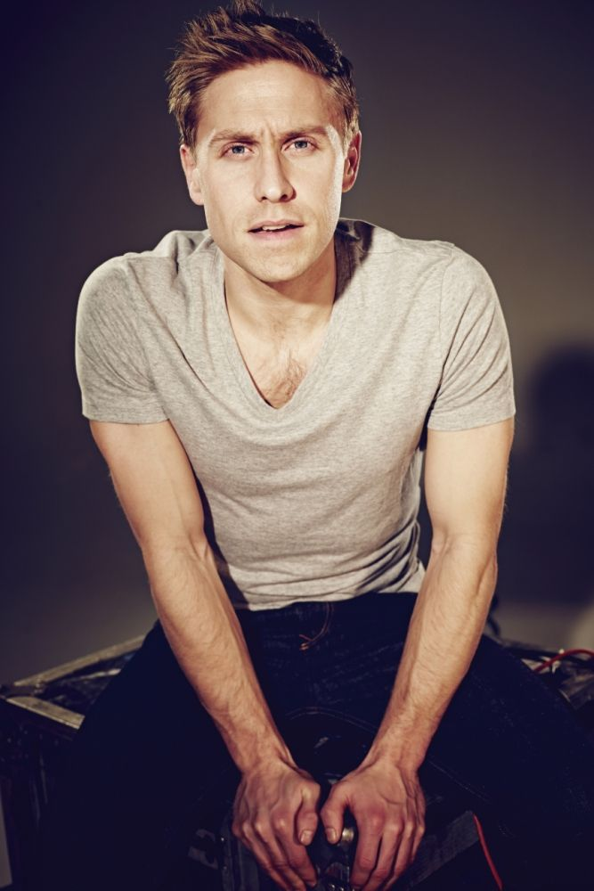 It's all Good News for Russell Howard