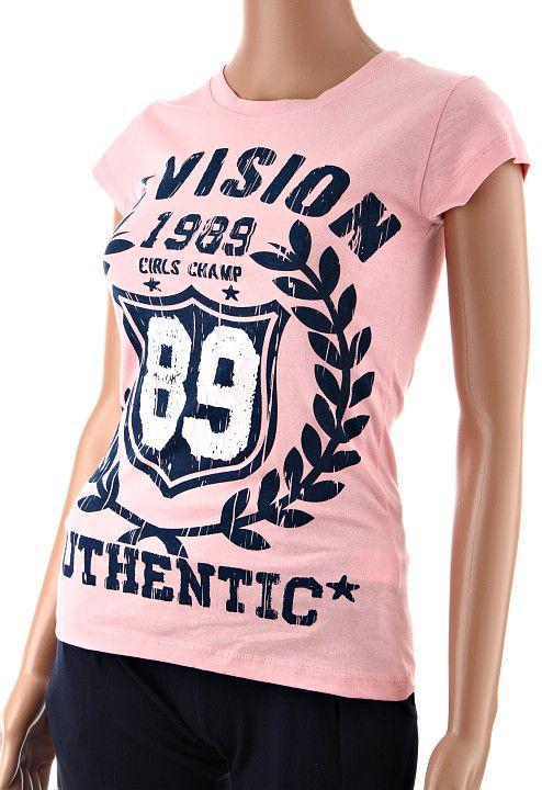 Bledoružové bavlnené dámske tričko s krátky rukávom a nápisom Division 89 Authentic vpredu. Tričko je ušité v úzkom strihu a v spodnej časti sa mierne rozširuje. http://www.yolo.sk/damske-tricka-bluzky-kratky-rukav/damske-tricko-edi-vision-89-ruzove