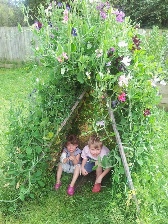 Children with adults can use large branches with leaves to create a tepee or a little play area to make it interesting in the outdoors.
