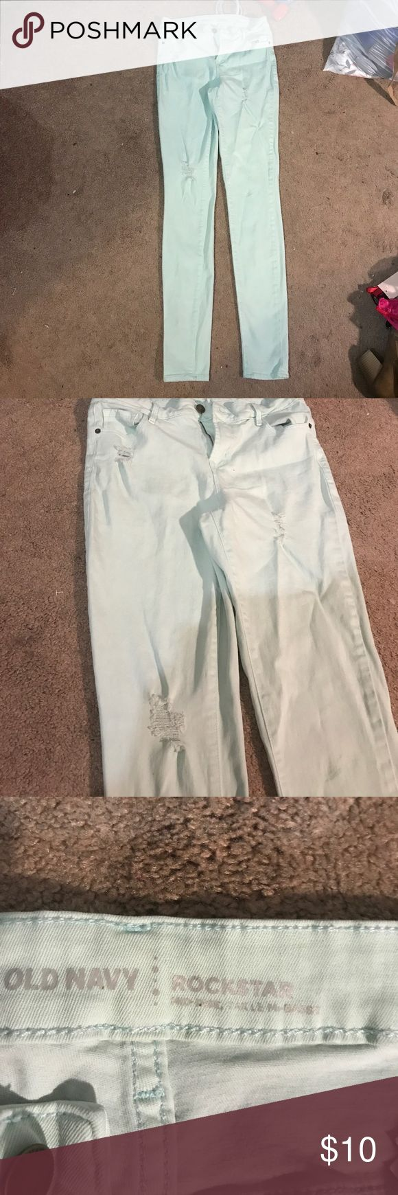 Old navy mint green skinny jeans. Midrise. 6 tall Worn a couple times loved them but I just couldn't handle the midrise. One stein on knee but kind if blends in. Smoke free house Old Navy Jeans Skinny