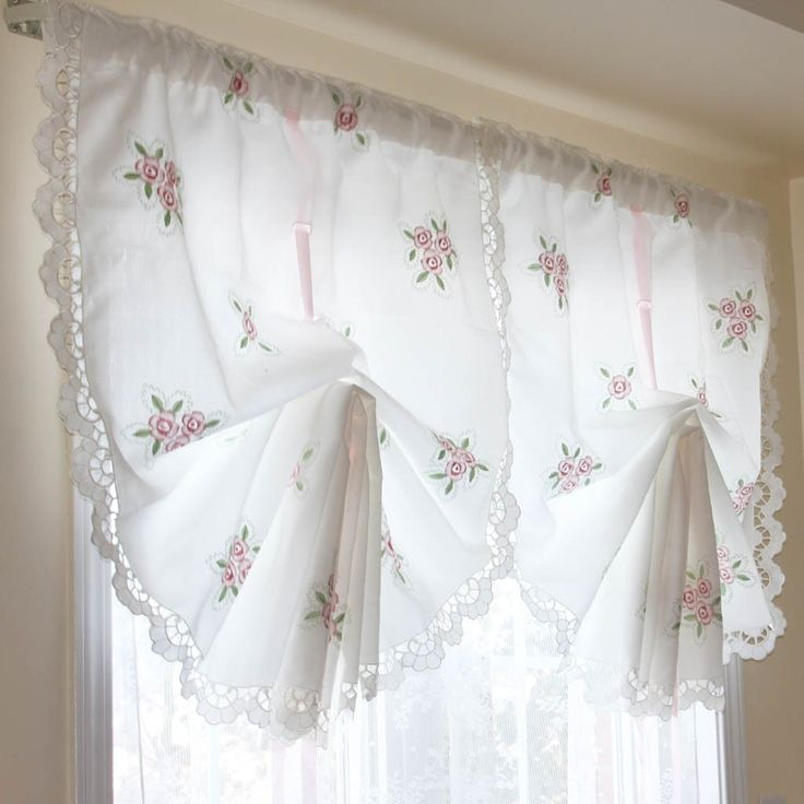 Victorian Rose Lace Pull Up Curtain