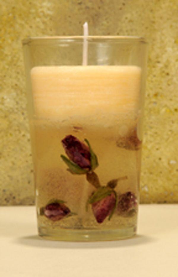 Hacer velas de gel con capullitos de rosa. Un tutorial muy sencillo para poder hacer velas a tu gusto con las flores secas que tu elijas.