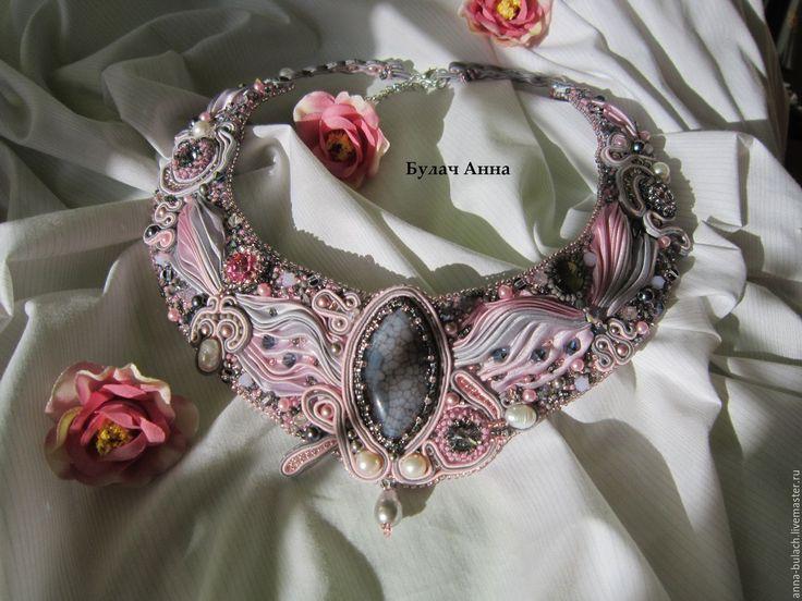 """Купить колье """"Нежный поцелуй"""" - розовый, серо-розовый, розово-серый, колье, сутажное украшение"""