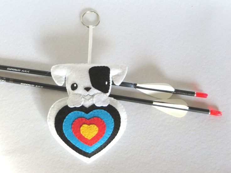 Tir à l'arc, chien kawaii, feutrine, breloque, cadeau pour amoureux des chiens : Porte clés par i-believe-i-can-fil