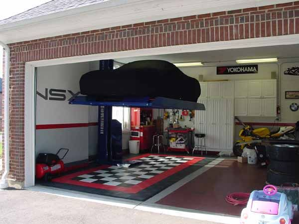 Simple, safe and rugged; this rubber-topped 6,000lb Portable Low Rise Car Lift can handle a mighty 6,000-lb. load without hogging your precious floorspace an