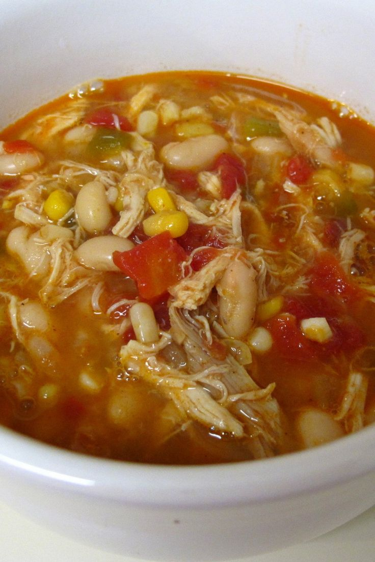 Recipe including course(s): Entrée; and ingredients: boneless, skinless chicken breast, chili seasoning mix, corn, green bell pepper, kidney beans, onion, salsa, tomatoes