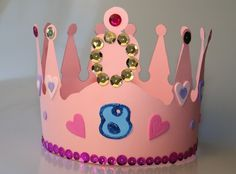 Eine Geburtstagskrone für das Geburtstagskind - macht sich auch gut auf den Geburtstagsfotos!