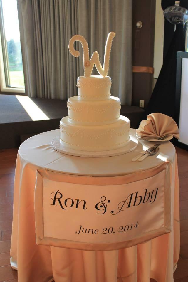 Wedding Cake at Villa Olivia in Bartlett IL courtesy of Il ...