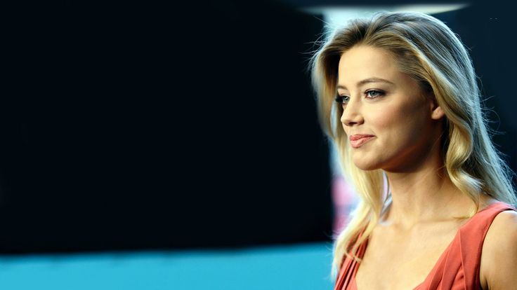 American Actress Amber Heard hollywood celebrity...