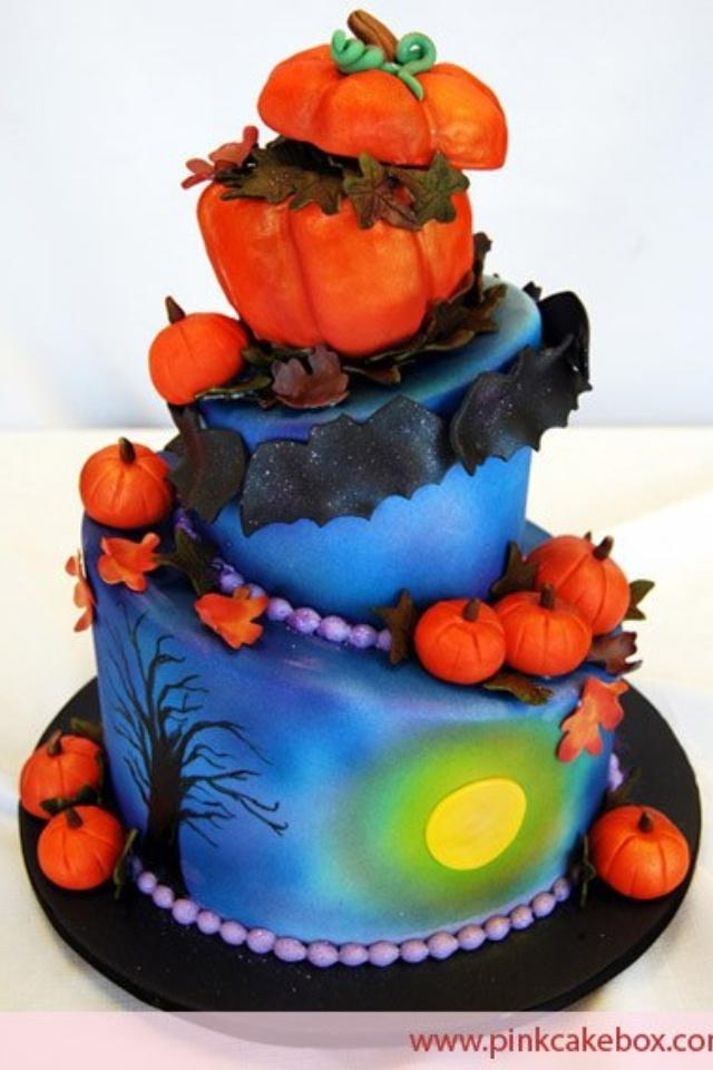 I love this Halloween Cake.