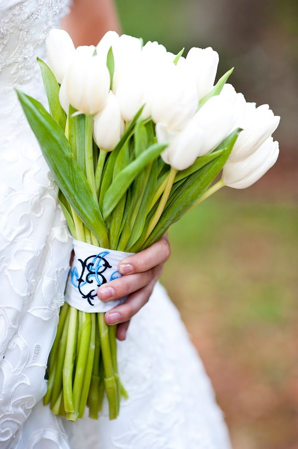 tulips: Wedding Bouquets, Spring Wedding, Bride Bouquets, Flowers Power, Wedding Flowers, Bouquets Wraps, Bouquets Wedding, Bridesmaid Bouquets, White Tulip Bouquets
