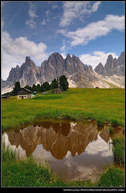 Odle Mirror. Val di Funes, Dolomiti