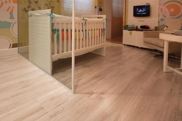 quarto de bebê com piso eucafloor evidence decapê
