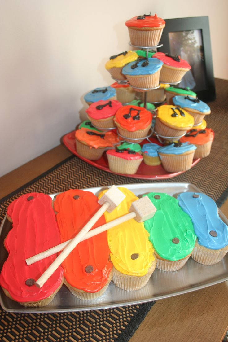 Xylophone cake and music note cupcakes. Would be cute for a 1st birthday!