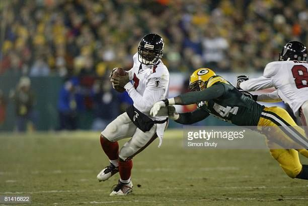 Nfc Playoffs Atlanta Falcons Qb Michael Vick In Action Vs Green Bay Michael Vick Atlanta Falcons Nfc