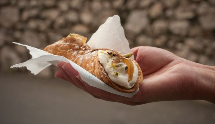 We Found The Authentic Sicilian Cannoli Recipe, And It Tastes Even Better Than It Looks