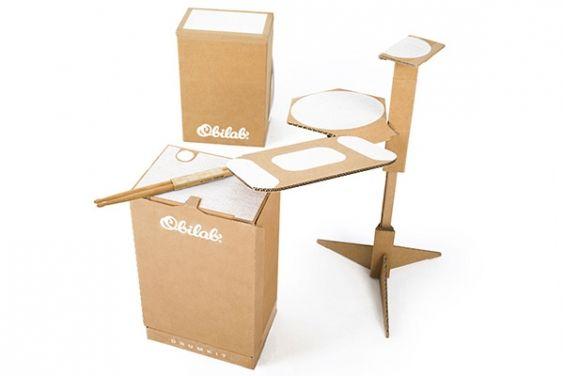 La batterie acoustique en carton The Drumkit d'OBILAB apporte un vent nouveau dans l'univers de la musique ! Elle est légère légère, écologique, transportable.