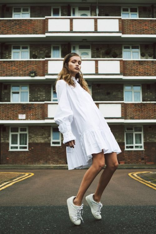 Clean white silhouettes & sneakers!   @biancaivey  #fortheloveoffashion